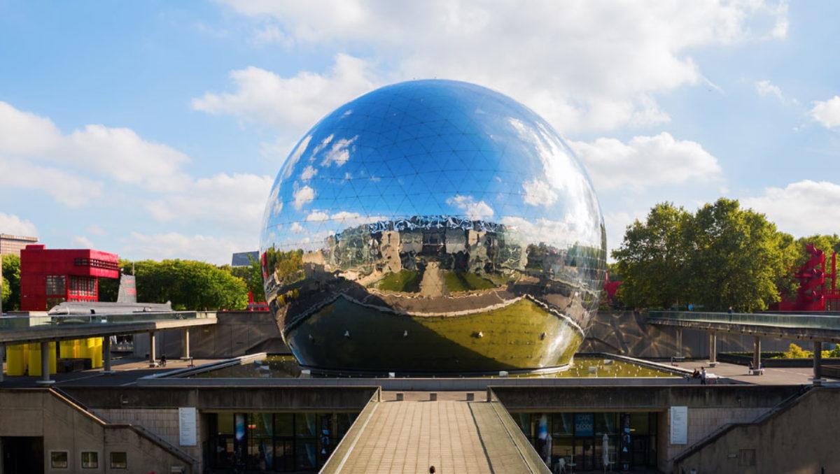 Cupole geodetiche per la proiezione di film a 360°: tra intrattenimento e design